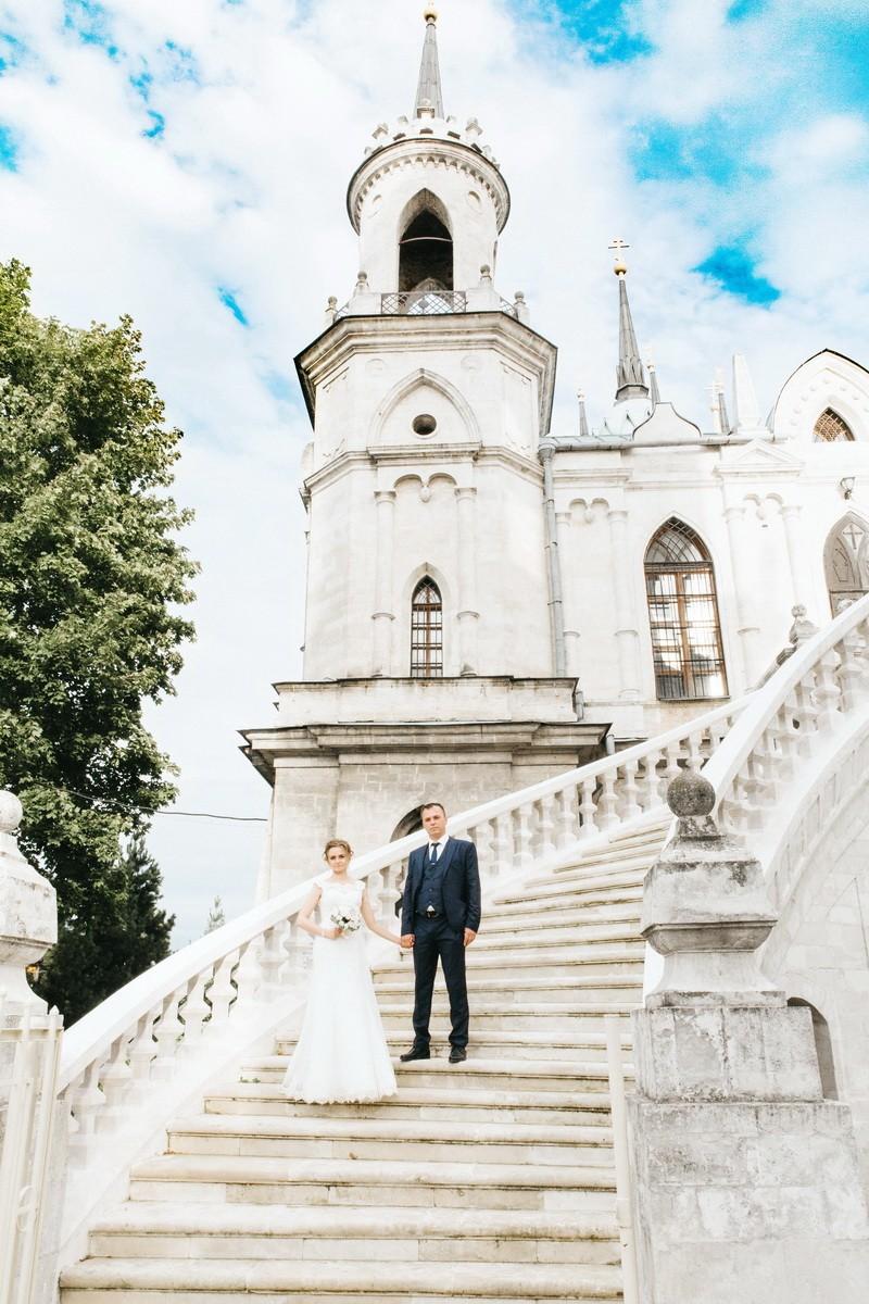 фотограф на свадьбе работает у церкви владимирской иконы божей матери на свадьбе